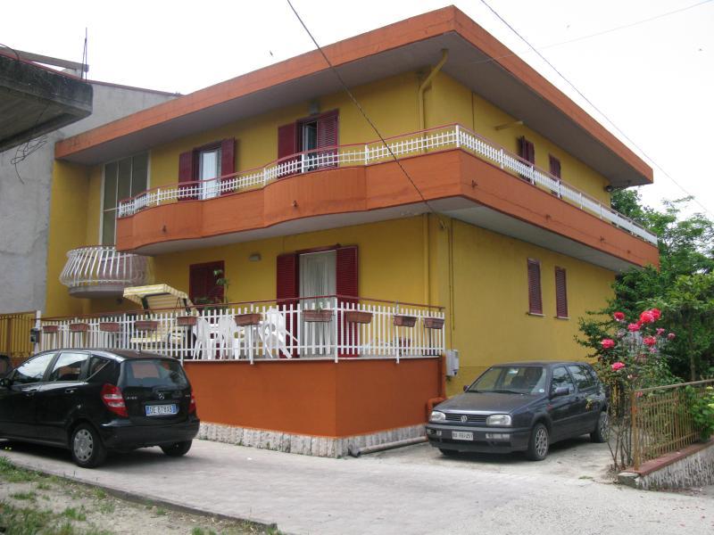 Soluzione Indipendente in vendita a Ariano Irpino, 6 locali, zona Località: RioneMogna, prezzo € 160.000 | CambioCasa.it