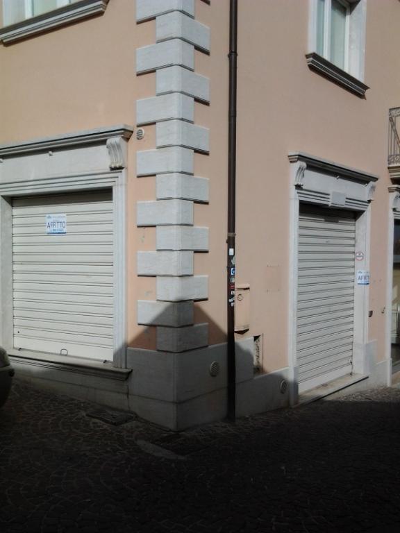 Negozio / Locale in affitto a Ariano Irpino, 9999 locali, zona Località: viadafflitto, prezzo € 350 | CambioCasa.it