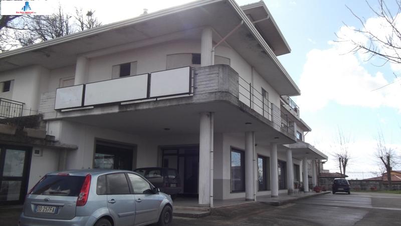 Negozio / Locale in affitto a Ariano Irpino, 9999 locali, zona Località: contradatorana, prezzo € 800 | CambioCasa.it