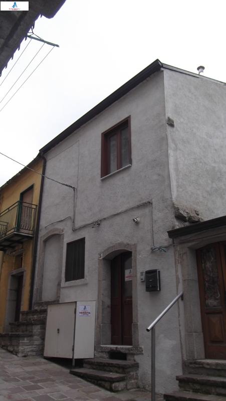 Soluzione Semindipendente in vendita a Monteleone di Puglia, 4 locali, prezzo € 40.000 | CambioCasa.it