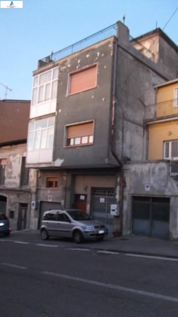 Soluzione Semindipendente in vendita a Ariano Irpino, 5 locali, zona Località: vianazionale, prezzo € 85.000 | CambioCasa.it