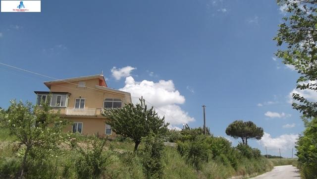 Soluzione Indipendente in vendita a Ariano Irpino, 7 locali, zona Località: contradamontagna, prezzo € 190.000 | CambioCasa.it