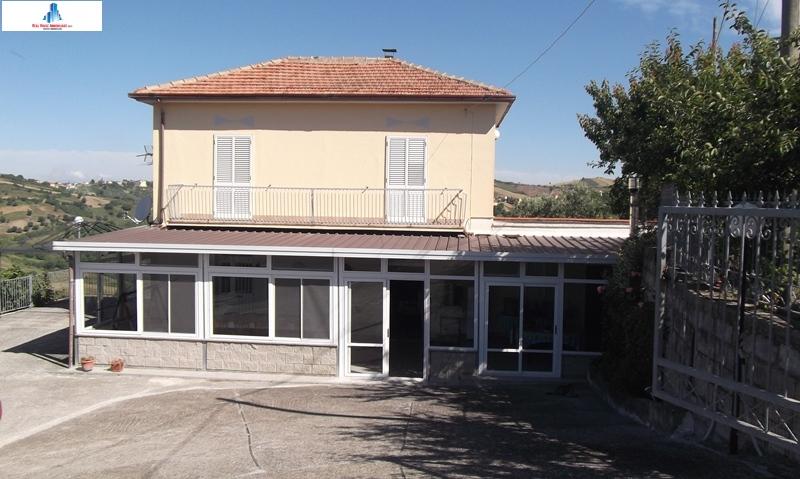 Soluzione Indipendente in vendita a Villanova del Battista, 4 locali, zona Località: contradagrutte, prezzo € 85.000 | Cambio Casa.it
