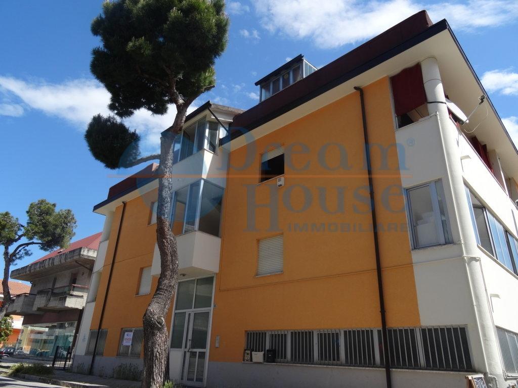 Box / Garage in vendita a Martinsicuro, 1 locali, prezzo € 30.000 | Cambio Casa.it