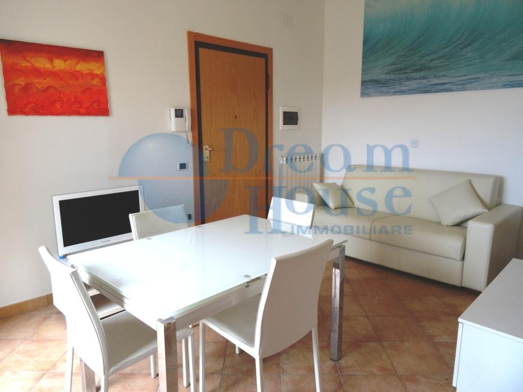 Attico / Mansarda in vendita a Tortoreto, 3 locali, zona Località: TORTORETOLIDO, prezzo € 97.000 | CambioCasa.it