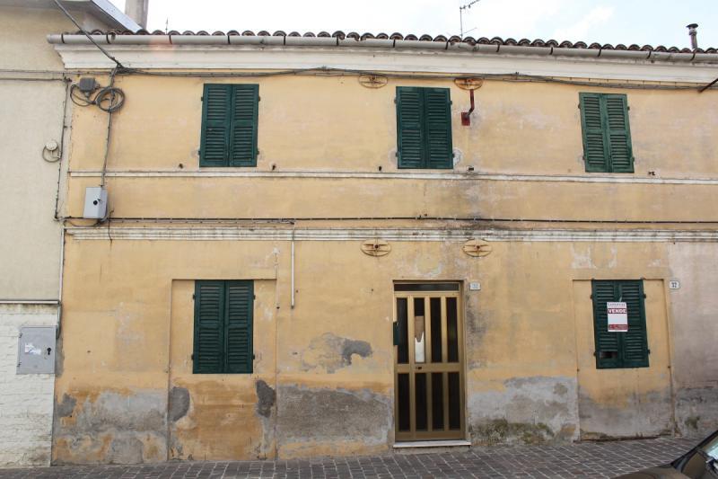 Soluzione Semindipendente in vendita a Santa Maria Nuova, 4 locali, zona Zona: Collina, prezzo € 65.000 | CambioCasa.it