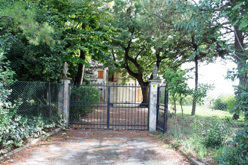 Soluzione Indipendente in vendita a Ancona, 6 locali, zona Zona: Gallignano, prezzo € 290.000   CambioCasa.it