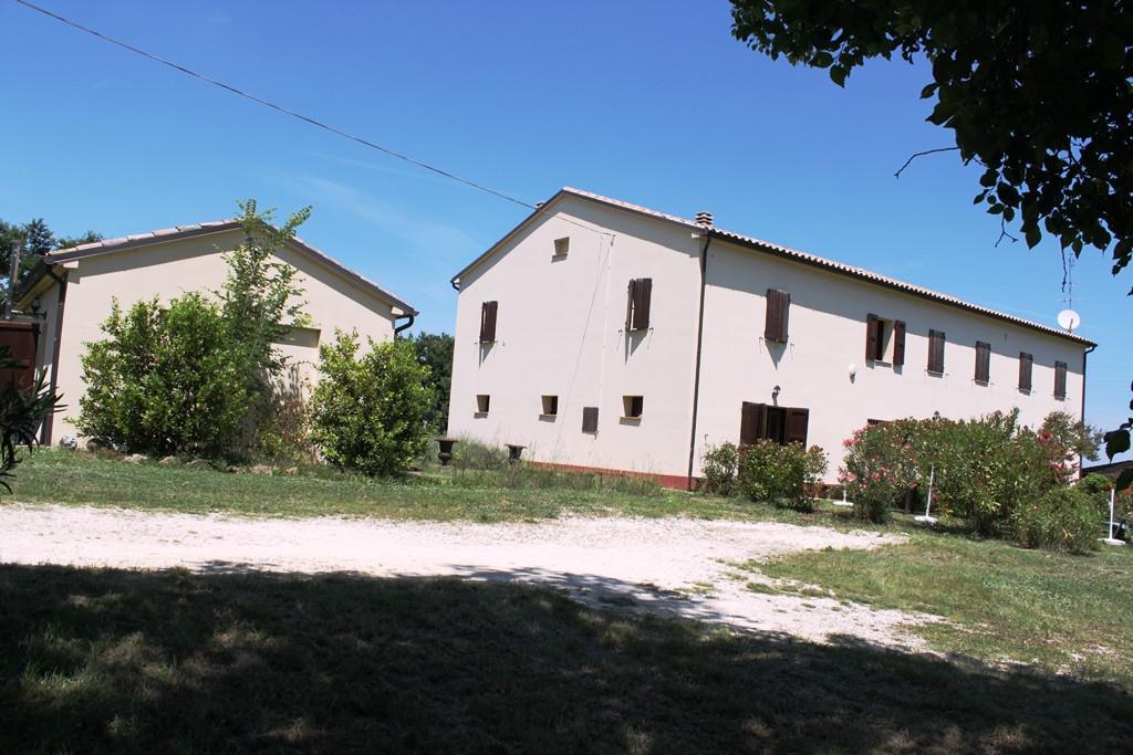 Soluzione Indipendente in vendita a Agugliano, 13 locali, zona Località: Agugliano, prezzo € 650.000 | CambioCasa.it