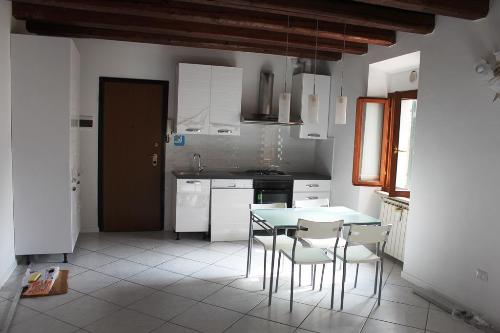 Appartamento in vendita a Agugliano, 2 locali, zona Località: CasteldEmilio, prezzo € 78.000 | CambioCasa.it