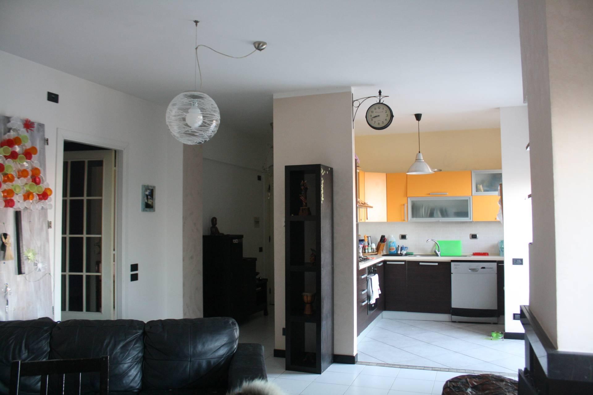 Appartamento in vendita a Agugliano, 5 locali, zona Località: Agugliano, prezzo € 120.000 | CambioCasa.it