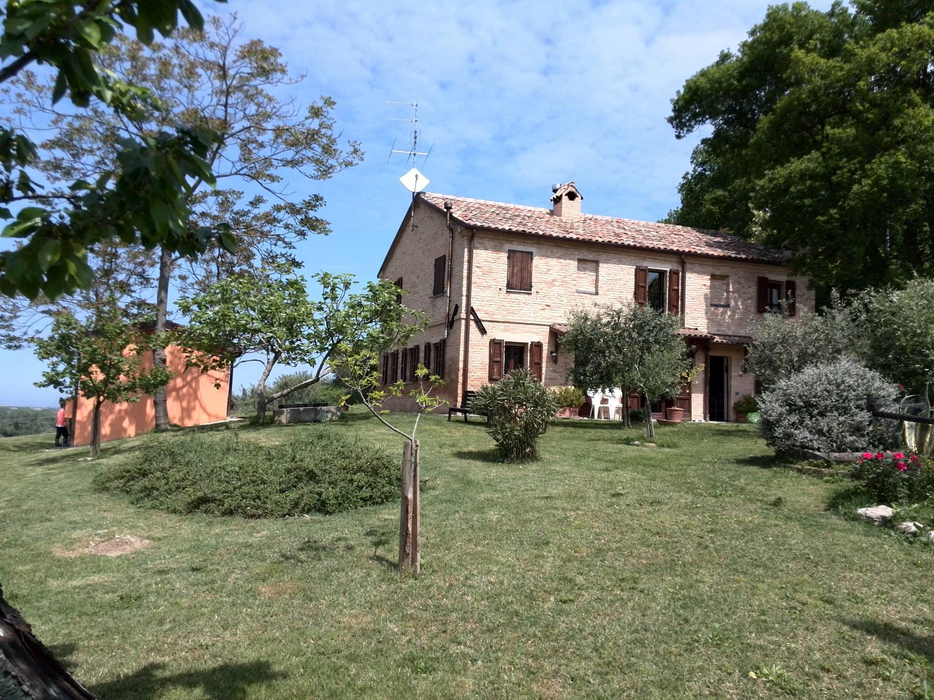 Soluzione Indipendente in vendita a Agugliano, 10 locali, zona Località: CasteldEmilio, prezzo € 430.000 | CambioCasa.it