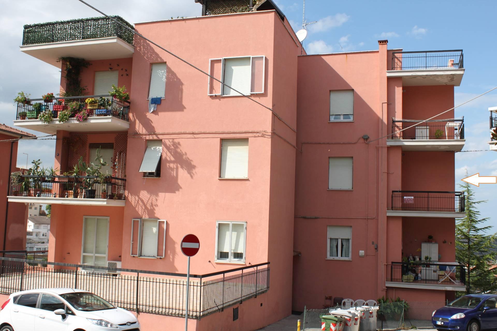 Appartamento in vendita a Agugliano, 4 locali, zona Località: Semicentro, prezzo € 89.000 | CambioCasa.it