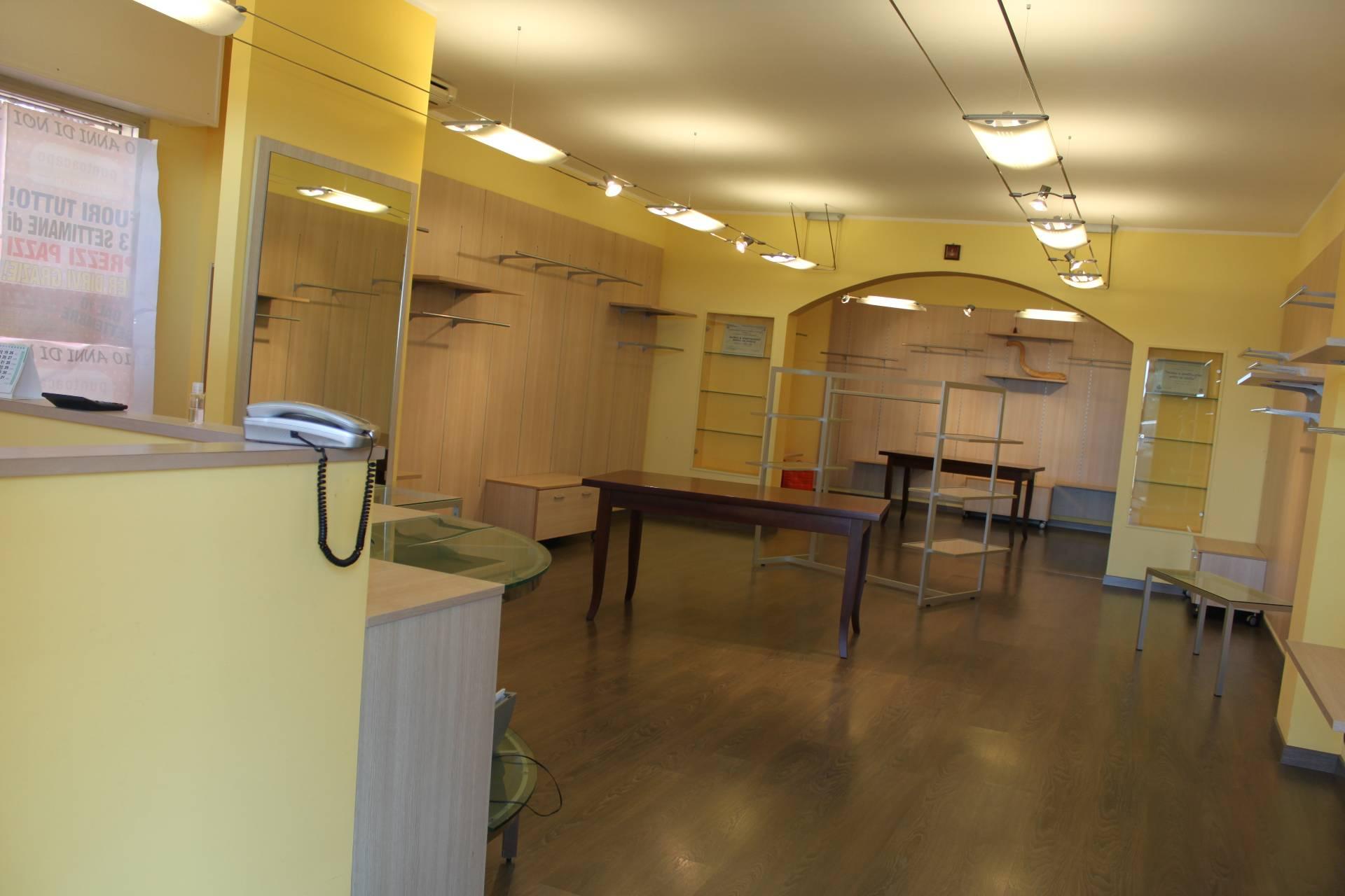 Negozio / Locale in vendita a Polverigi, 9999 locali, zona Località: Semicentro, prezzo € 89.000 | CambioCasa.it