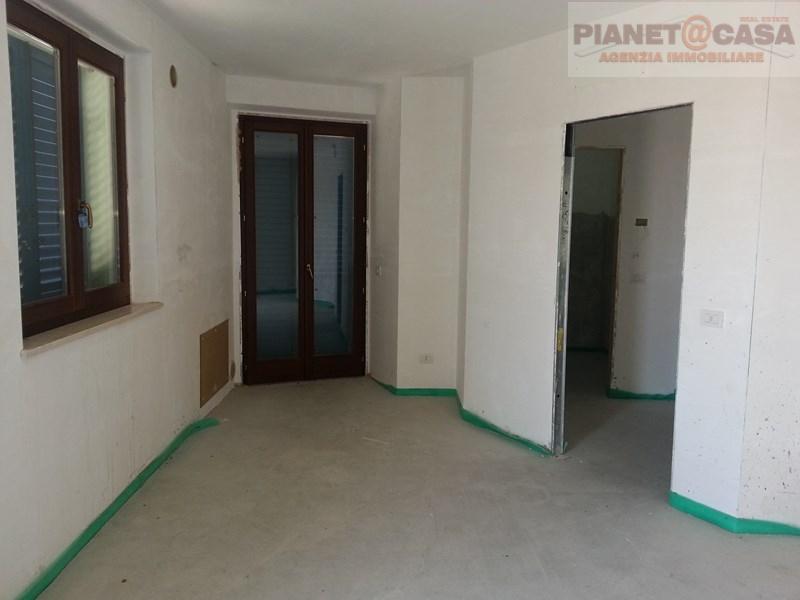Appartamento in vendita a Campofilone, 3 locali, prezzo € 135.000 | CambioCasa.it