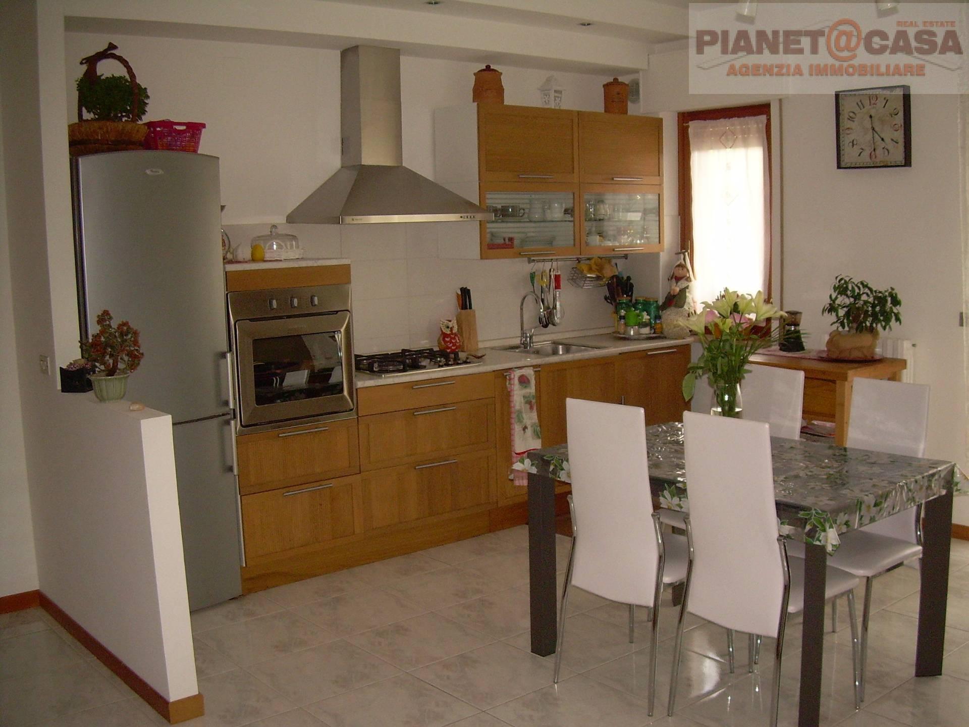 Appartamento in vendita a Castel di Lama, 4 locali, prezzo € 95.000 | CambioCasa.it