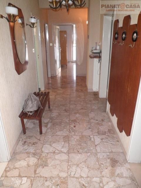 Appartamento in vendita a Ascoli Piceno, 5 locali, zona Località: PORTACAPPUCCINA, prezzo € 129.000 | CambioCasa.it