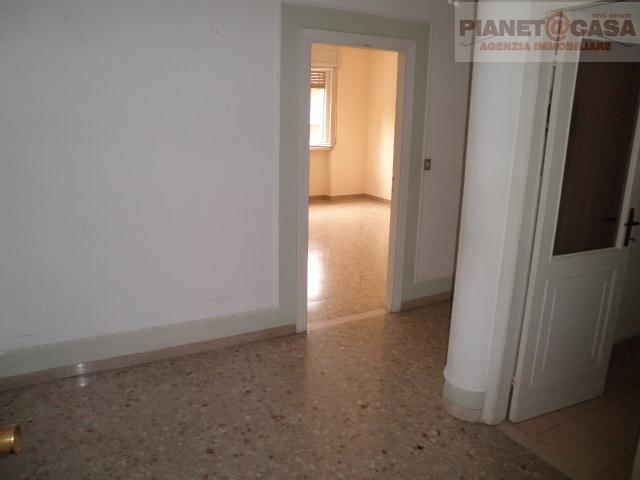 Appartamento in vendita a Ascoli Piceno, 4 locali, zona Località: PORTACAPPUCCINA, prezzo € 125.000 | CambioCasa.it