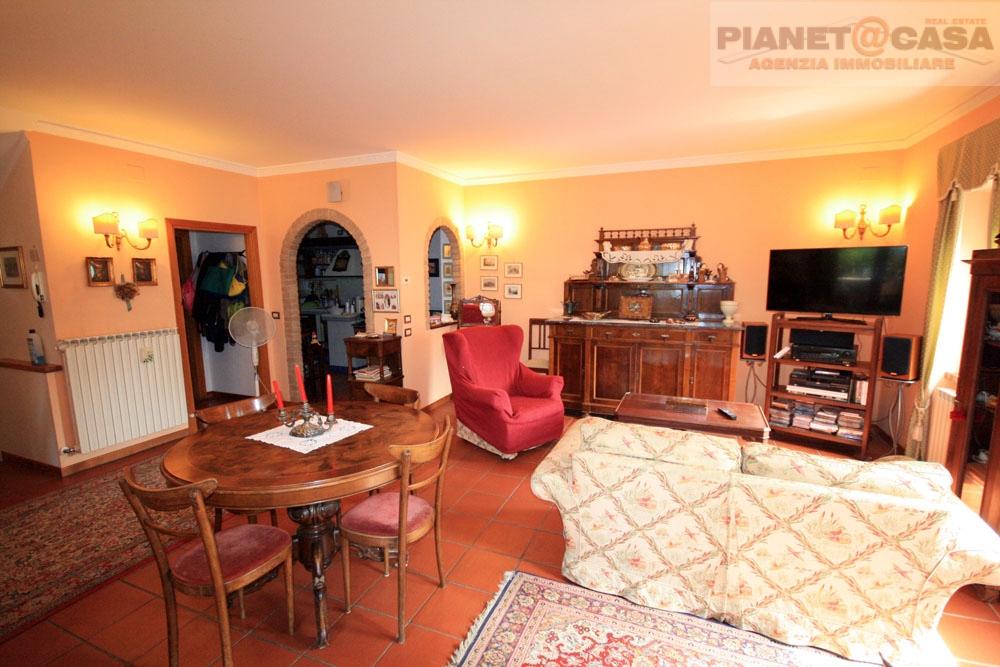 Agriturismo in vendita a Castel di Lama, 5 locali, zona Zona: Piattoni, prezzo € 235.000 | CambioCasa.it