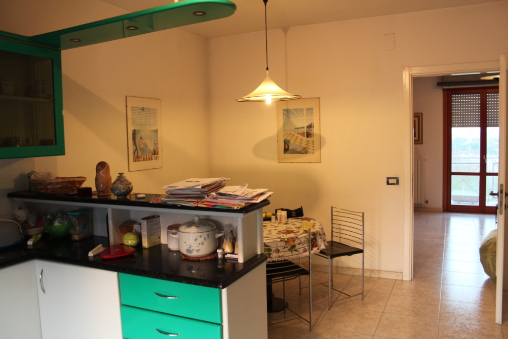 Appartamento in vendita a San Benedetto del Tronto, 5 locali, zona Località: PortodAscoliAgraria, prezzo € 170.000 | CambioCasa.it