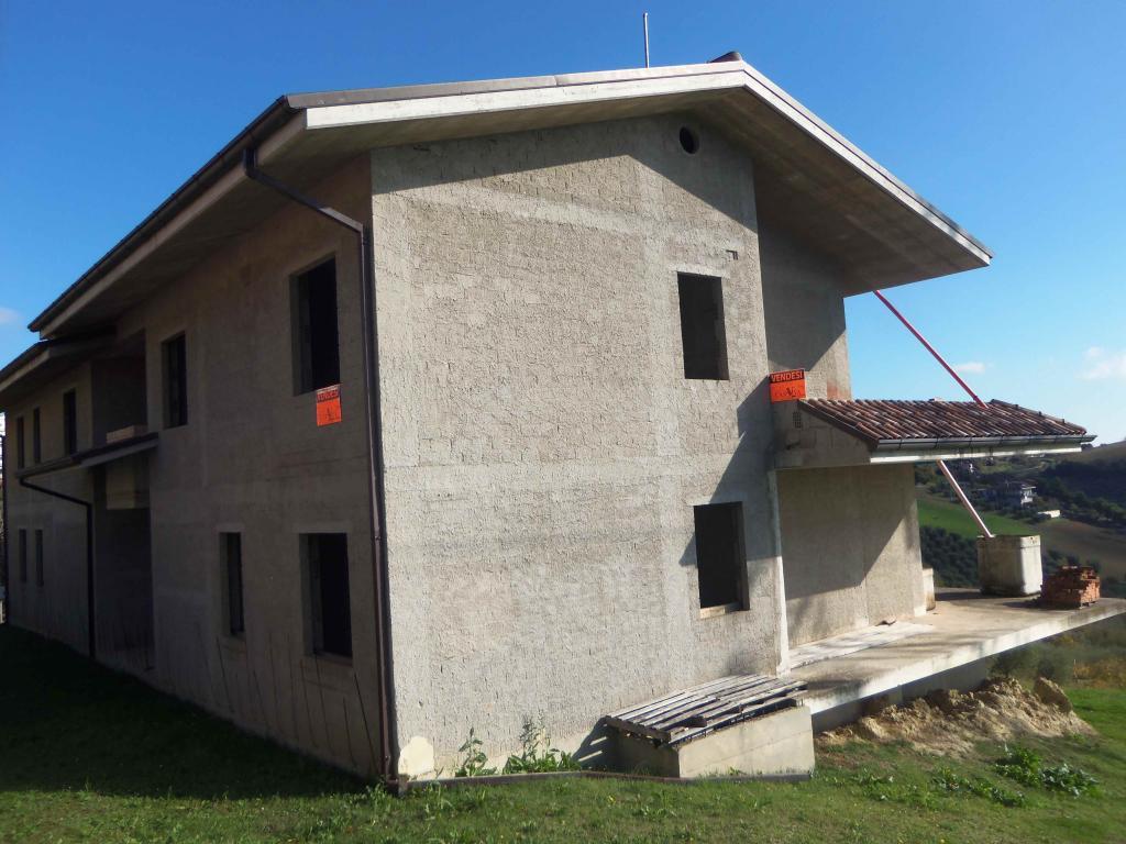 Villa Bifamiliare in vendita a Acquaviva Picena, 5 locali, zona Località: Centrale, prezzo € 200.000 | CambioCasa.it