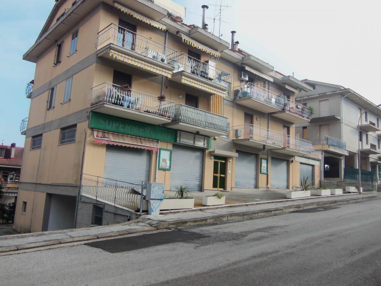 Negozio / Locale in affitto a Acquaviva Picena, 9999 locali, Trattative riservate   CambioCasa.it