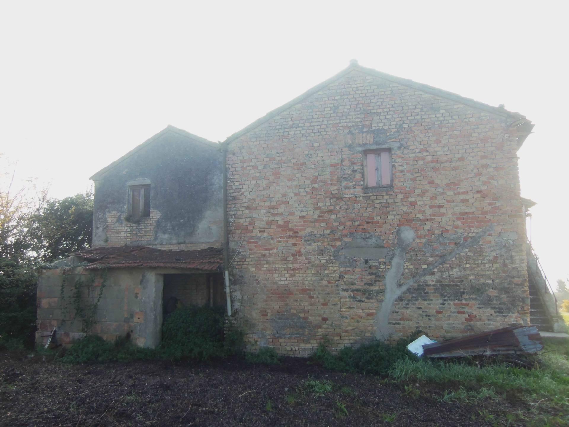 Rustico / Casale in vendita a Monteprandone, 12 locali, prezzo € 500.000 | CambioCasa.it