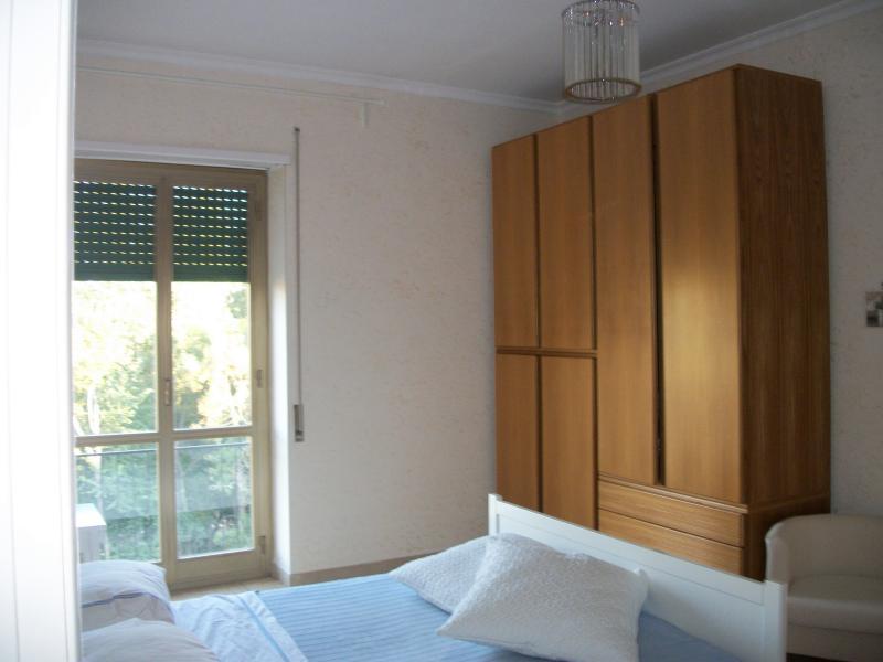vendita appartamento roma tuscolano/don bosco/cinec  235000 euro  3 locali  90 mq