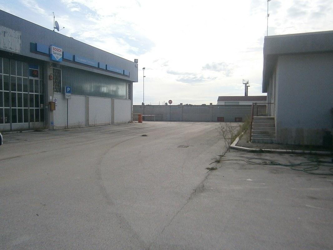 Case in vendita provincia foggia cerco casa in vendita in for Affitto officina roma