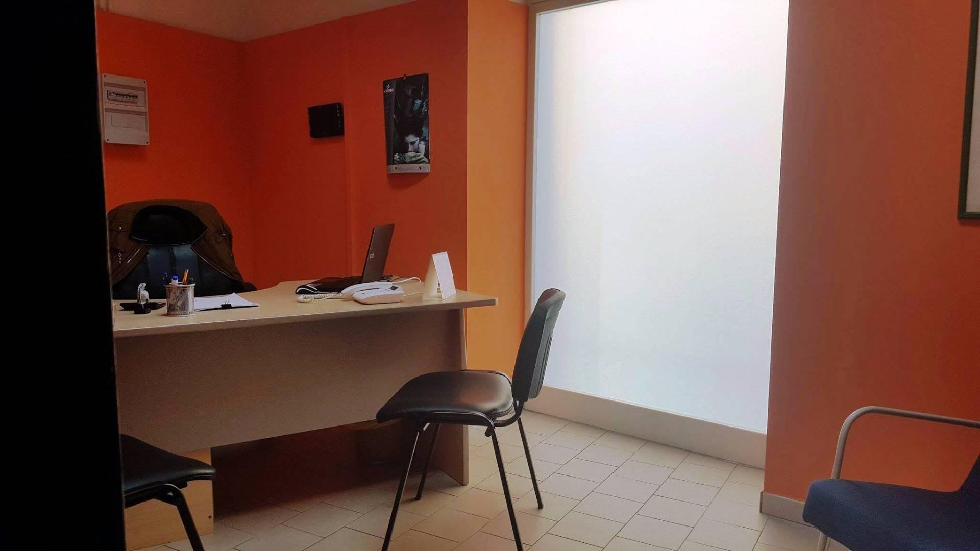 affitto ufficio giugliano in campania   400 euro  70 mq