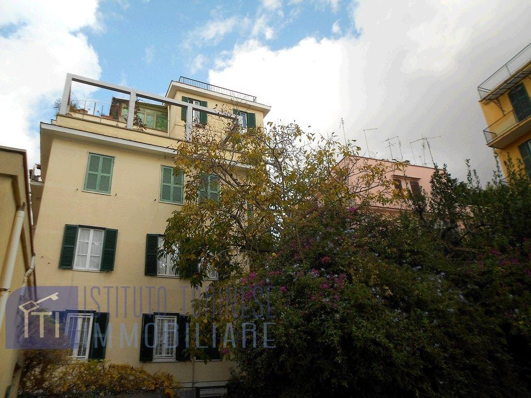 Bilocale affitto roma zona monteverde gianicolense for Occasione affitto roma