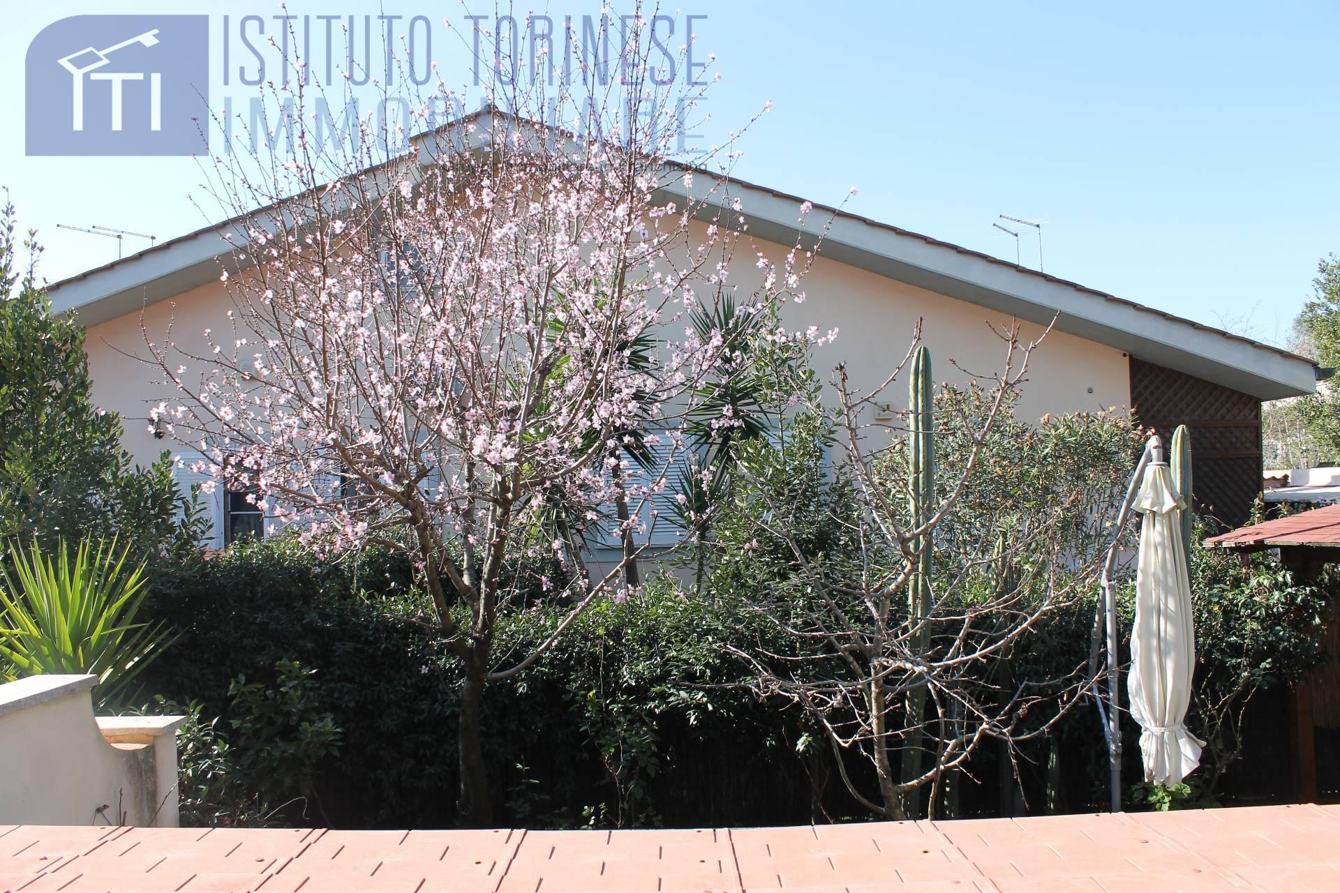 vendita villa roma acilia dragona  229000 euro  5 locali  110 mq