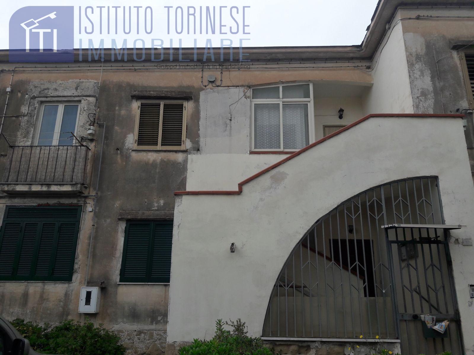 vendita appartamento pozzuoli   200000 euro  3 locali  85 mq