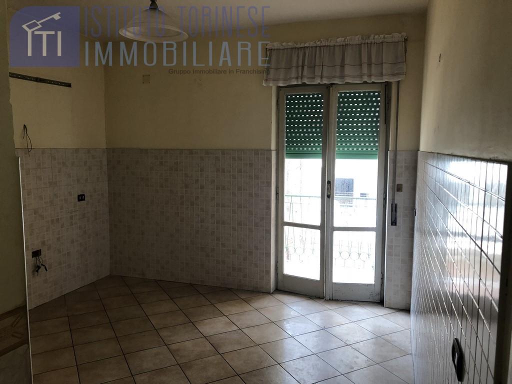 vendita appartamento napoli secondigliano  119000 euro  3 locali  90 mq