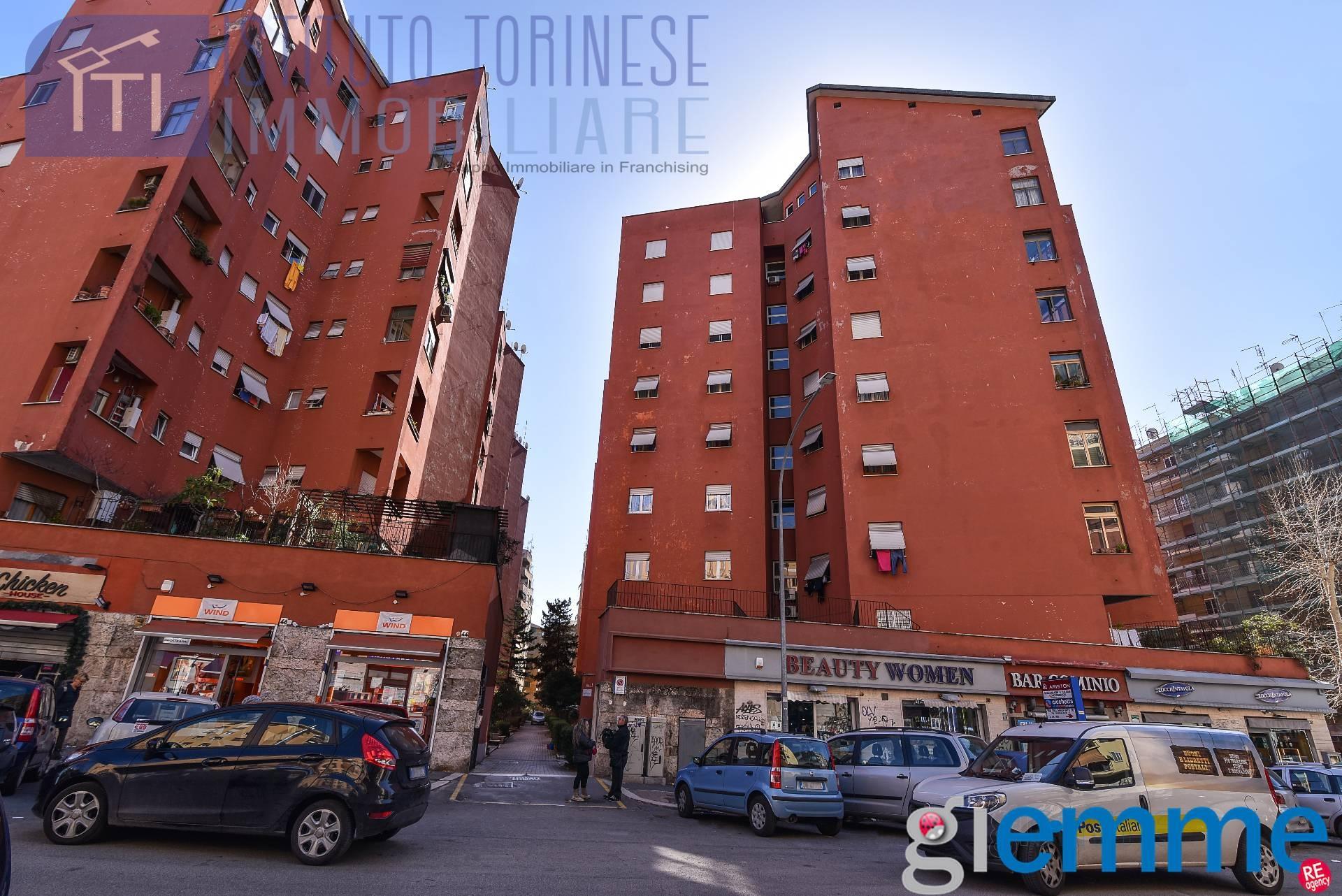 vendita appartamento roma tuscolano don bosco cinec  175000 euro  2 locali  65 mq