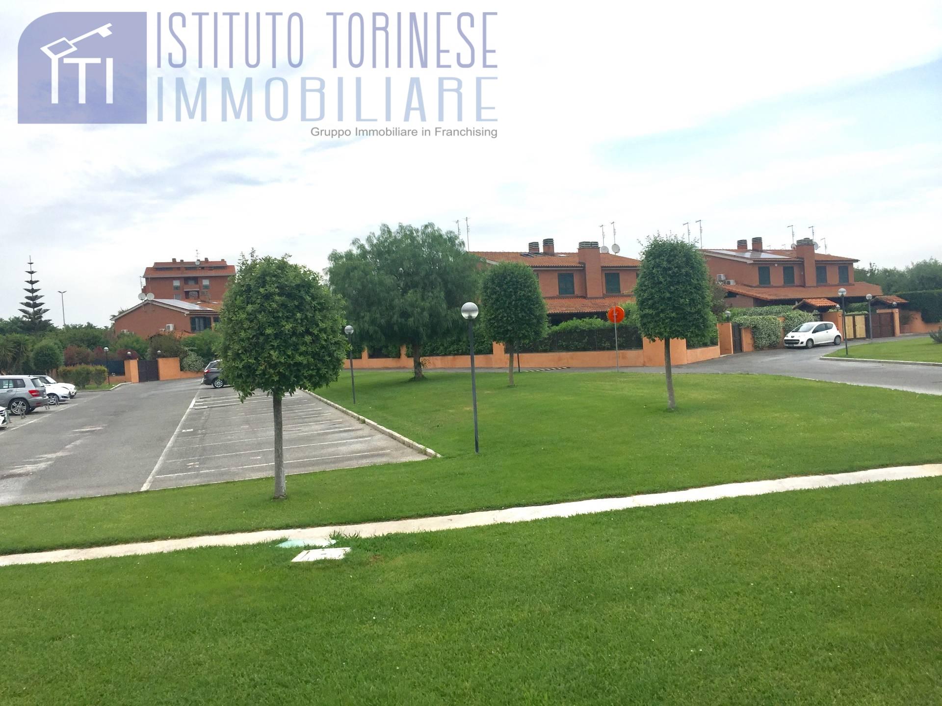 vendita villa a schiera roma infernetto malafede madon  369000 euro  4 locali  180 mq