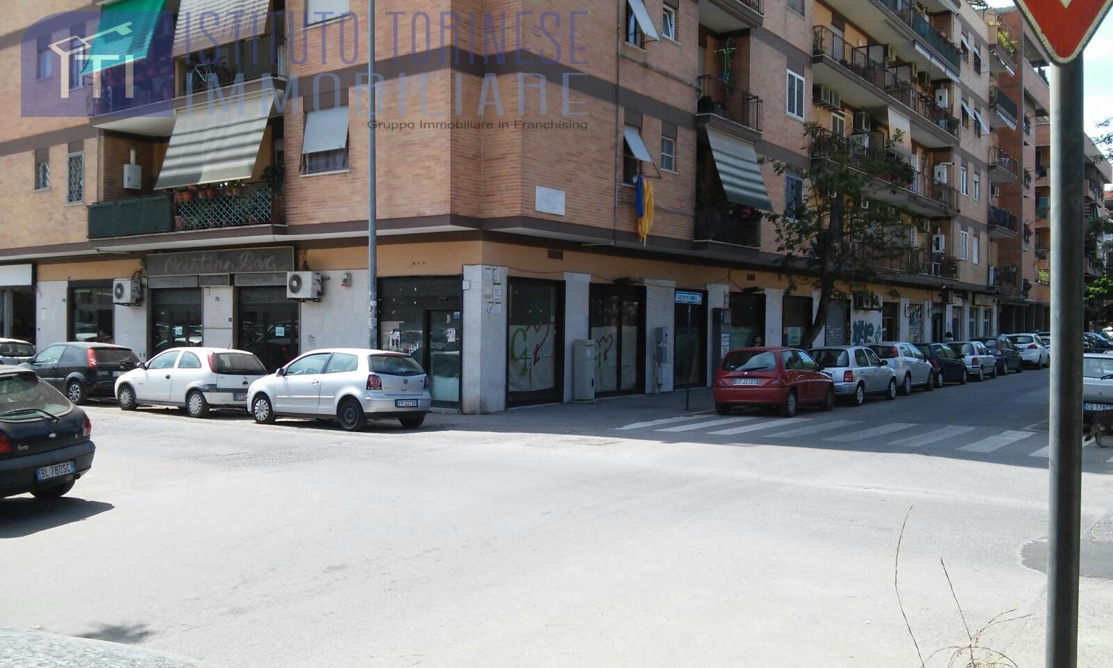 Locale commerciale Negozio in Affitto Roma ad6ca294993