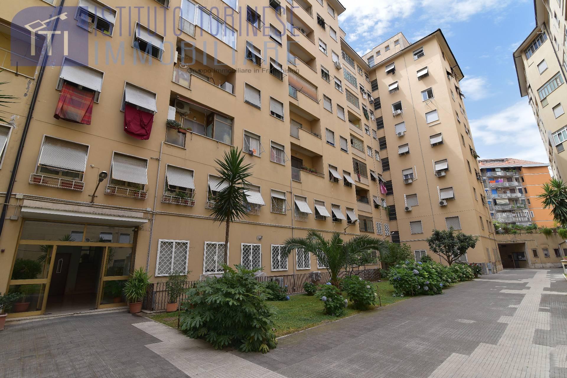 vendita appartamento roma tuscolano/don bosco/cinec  229000 euro  3 locali  90 mq
