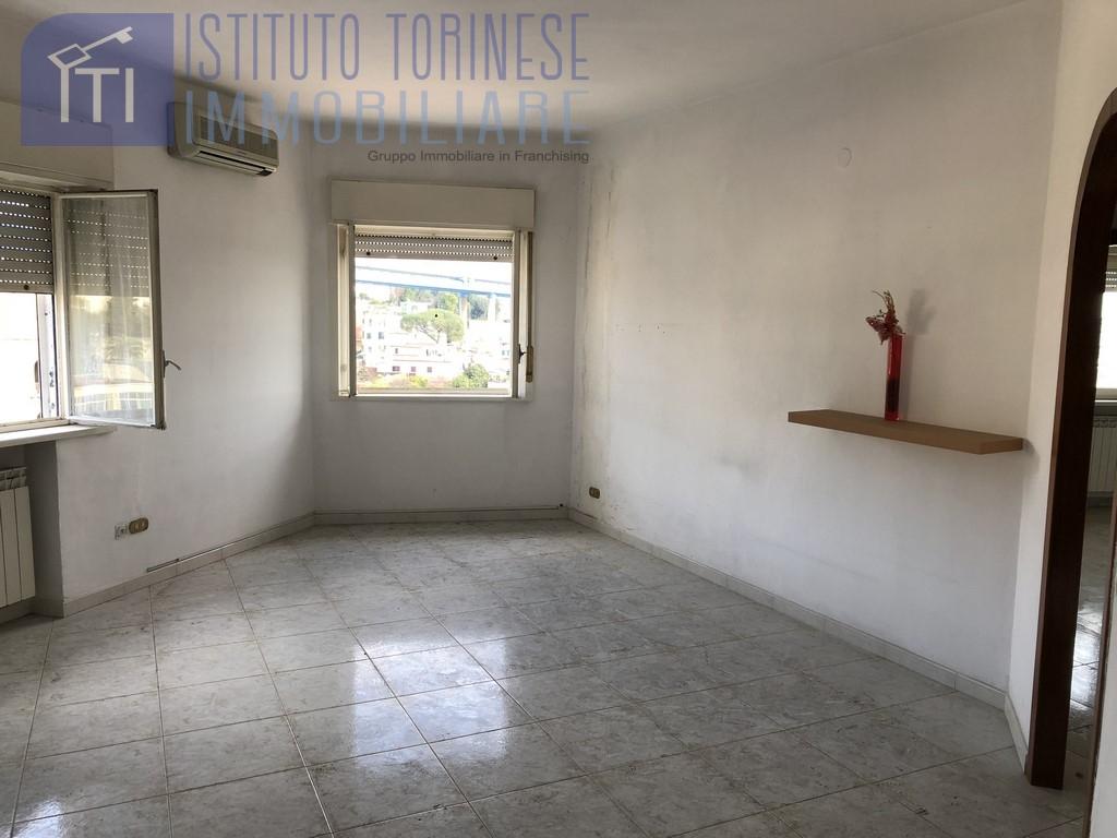 affitto appartamento napoli san carlo arena / capodim  700 euro  3 locali  90 mq