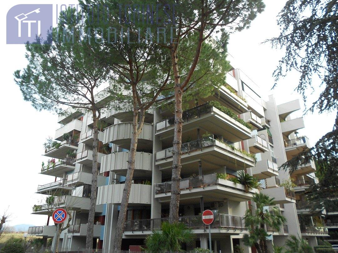 affitto appartamento roma eur laurentino montagnola  1700 euro  5 locali  160 mq