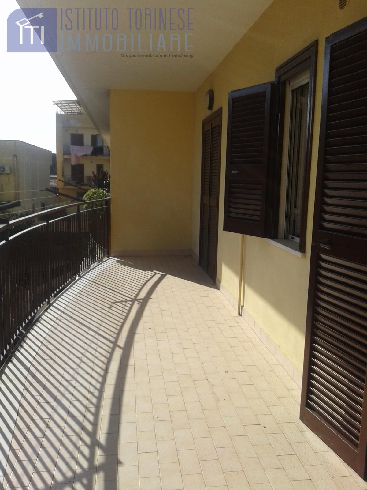 vendita appartamento giugliano in campania varcaturo  140000 euro  6 locali  90 mq