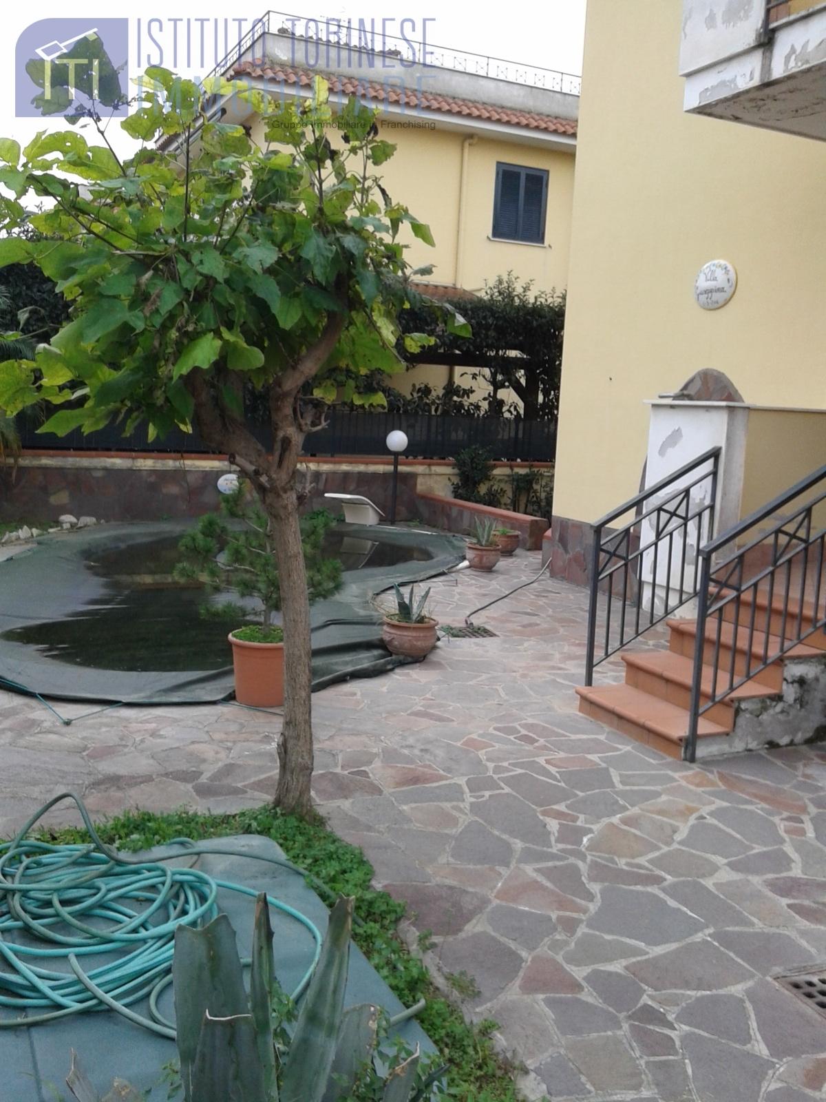 VILLA in Vendita a Licola, Giugliano In Campania (NAPOLI)