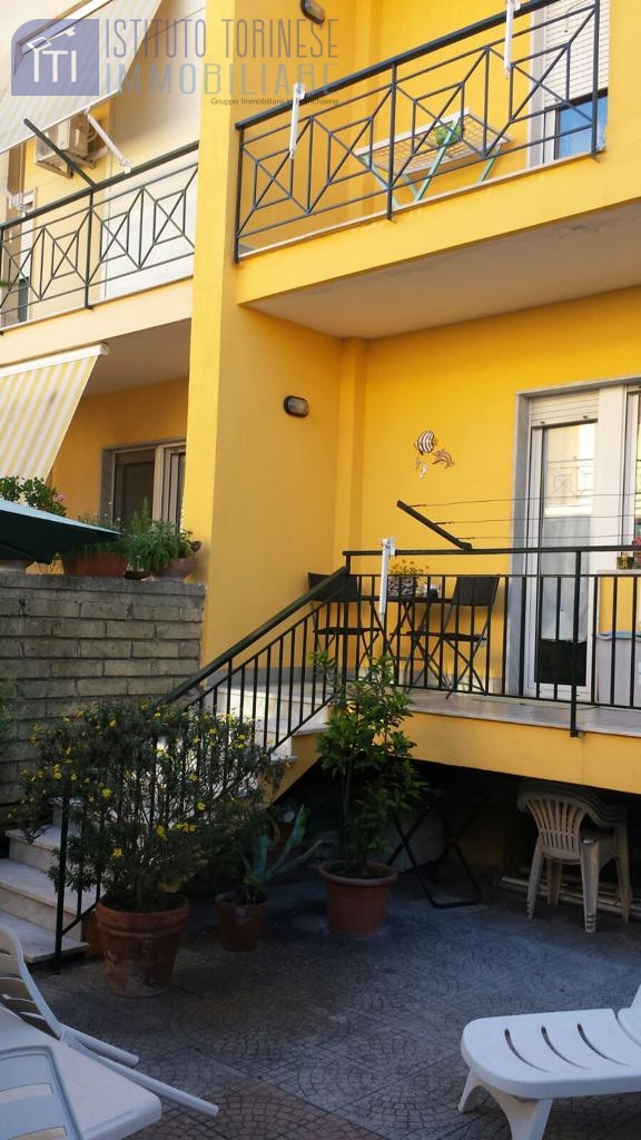 Villa - Casa, 200 Mq, Vendita - Giugliano In Campania (NA)