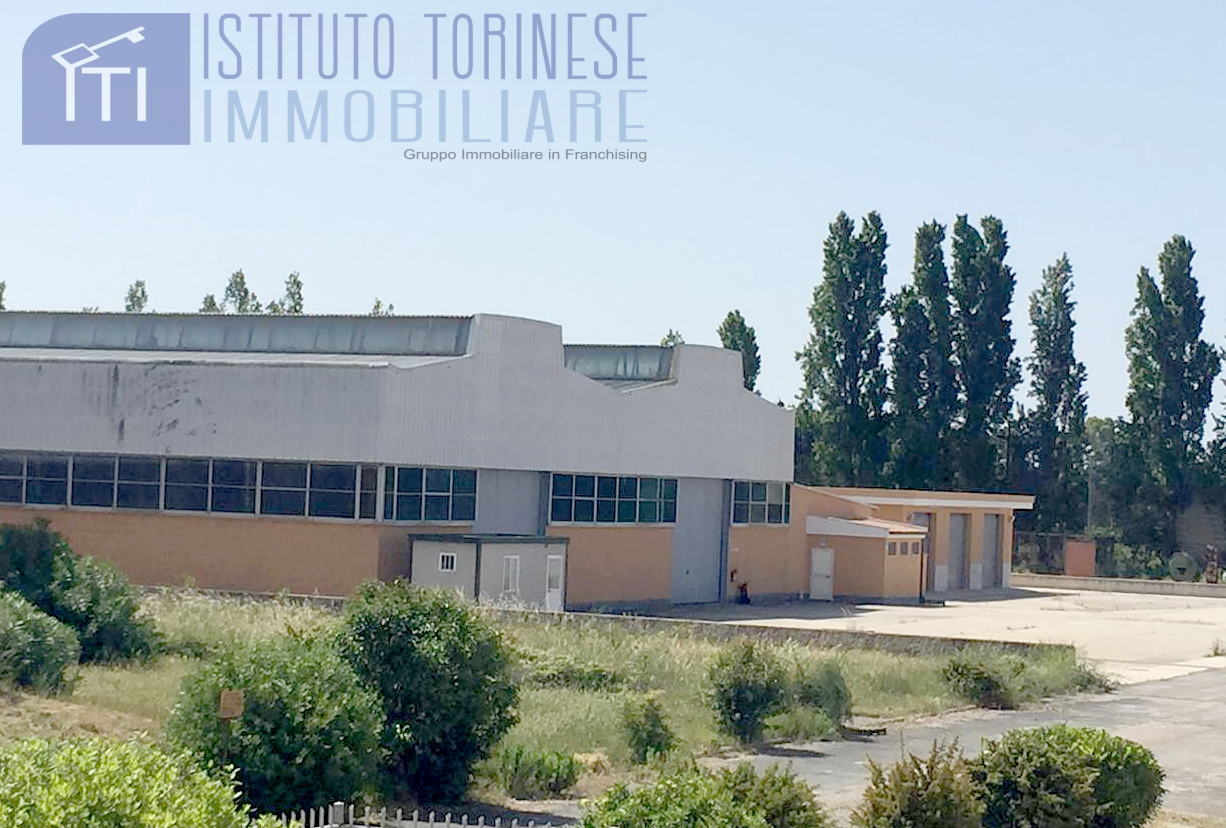 Iti 003 40 comc magazzino in vendita a aprilia for Appartamento affitto aprilia arredato