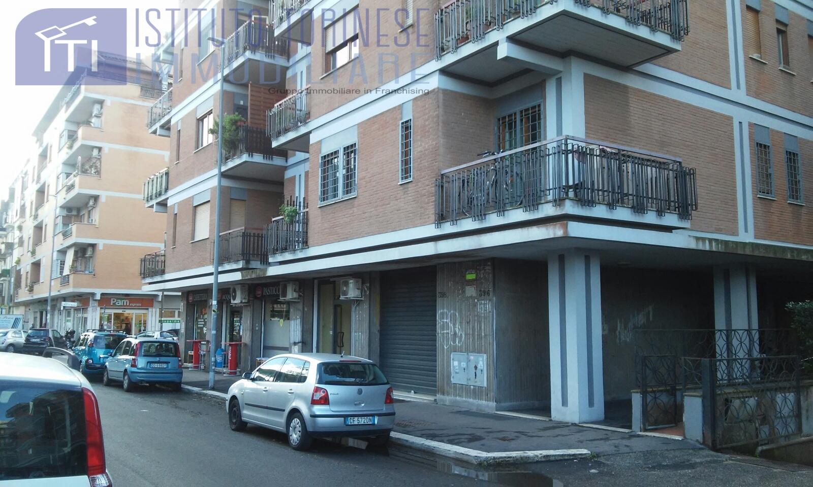 NEGOZIO in Affitto a Roma (ROMA)