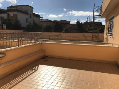 Vai alla scheda: Duplex Vendita - Pomezia (RM)   Martin Pescatore - Codice ITI 029-CS28/401