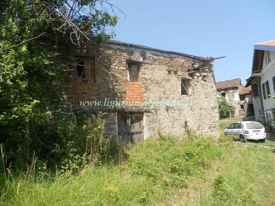 Rustico / Casale in vendita a Dego, 1 locali, zona Zona: Girini, prezzo € 40.000 | CambioCasa.it