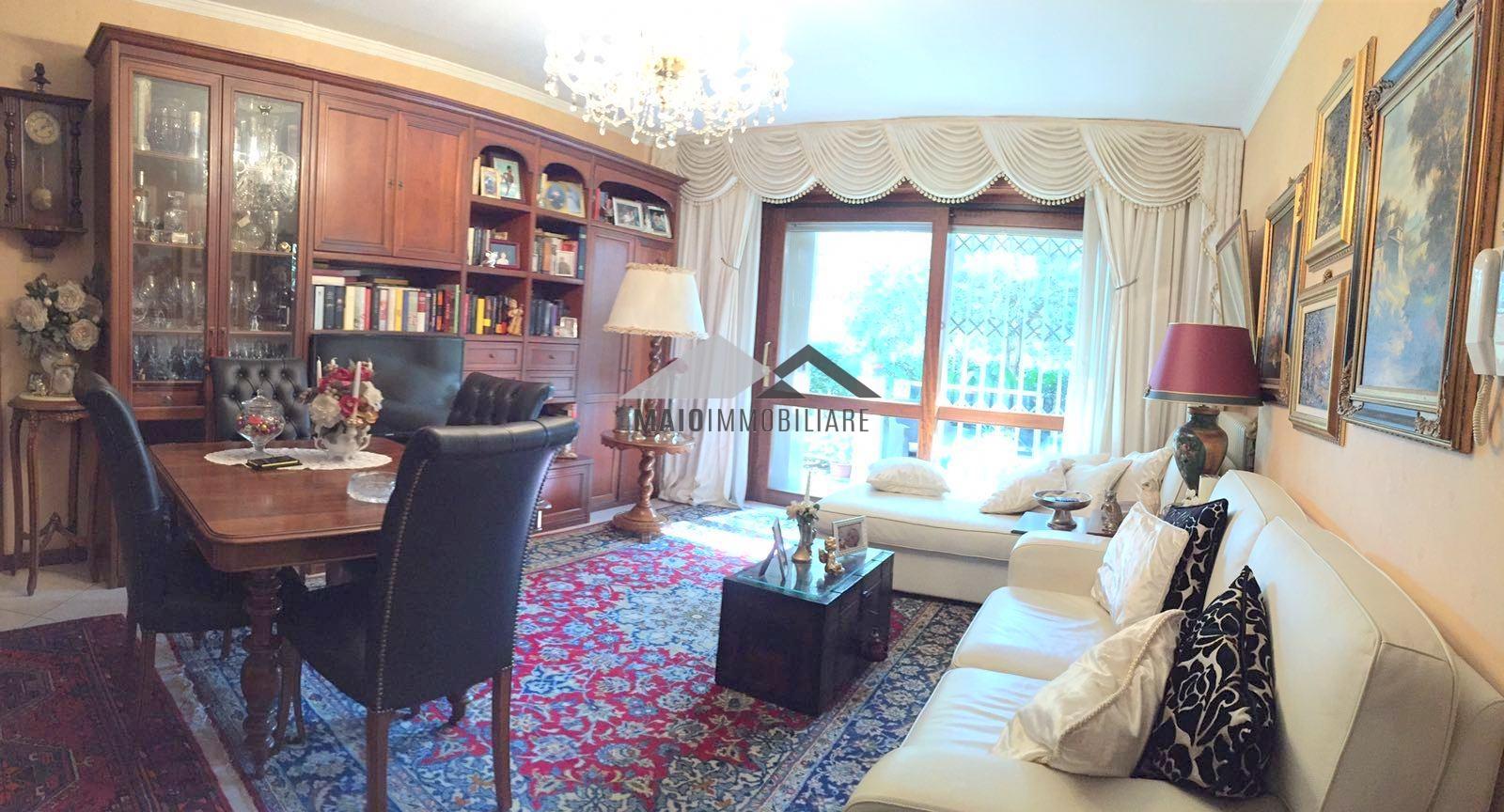 Appartamento in vendita a Riccione, 4 locali, zona Località: PARCO, prezzo € 445.000 | Cambio Casa.it