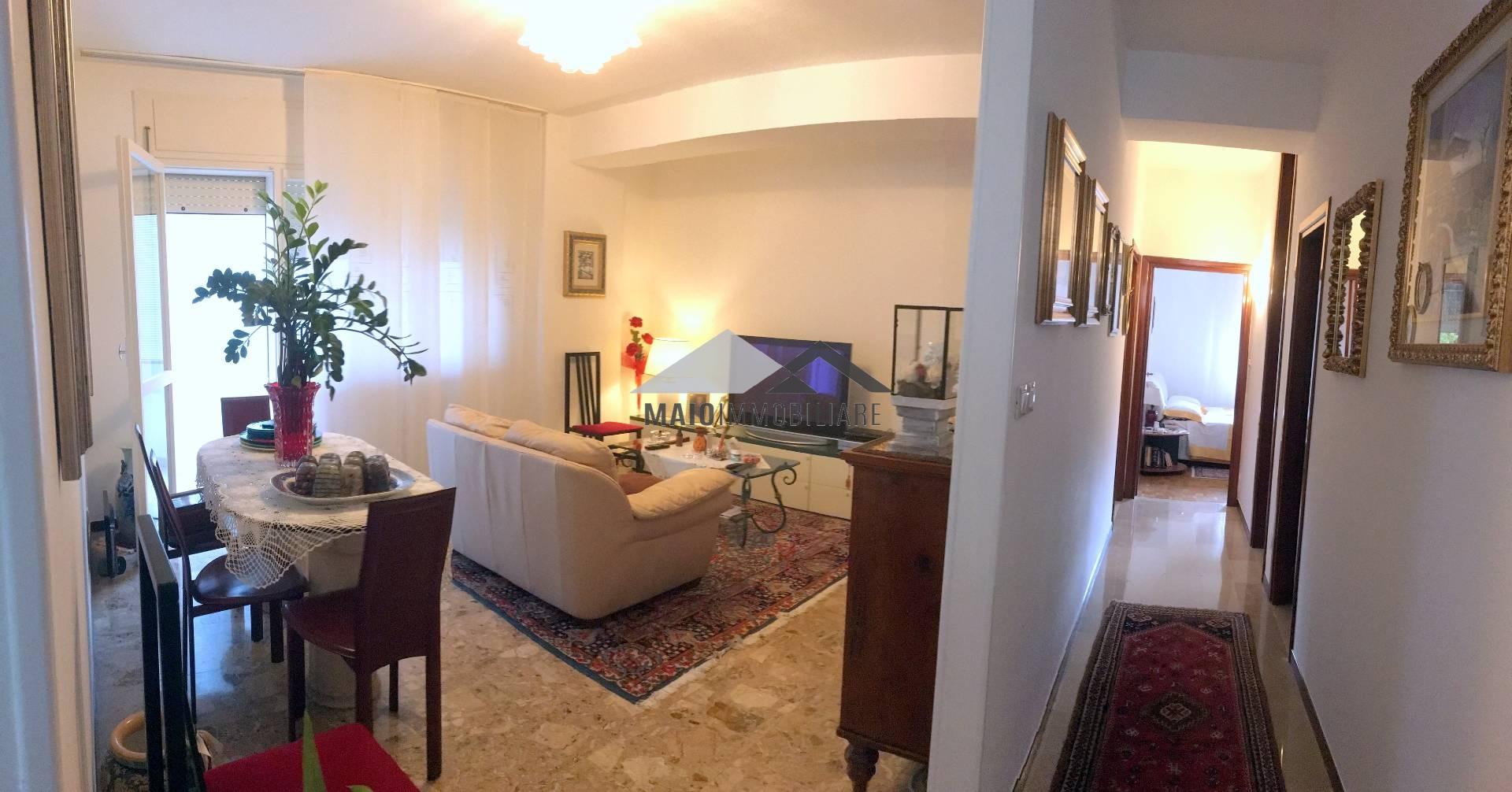 Appartamento in vendita a Riccione, 4 locali, zona Località: PAESE, prezzo € 295.000 | Cambio Casa.it