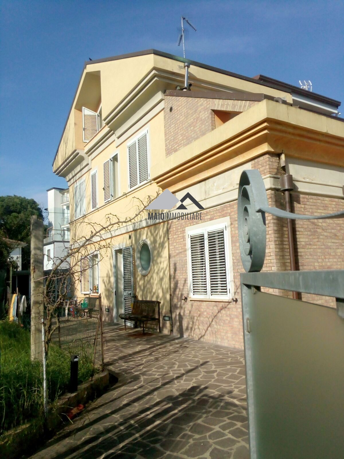 Soluzione Indipendente in vendita a Riccione, 4 locali, zona Località: ABISSINIA, prezzo € 400.000   Cambio Casa.it