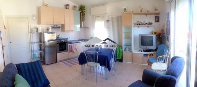 Appartamento in vendita a Riccione, 3 locali, zona Località: TERME, prezzo € 260.000 | Cambio Casa.it